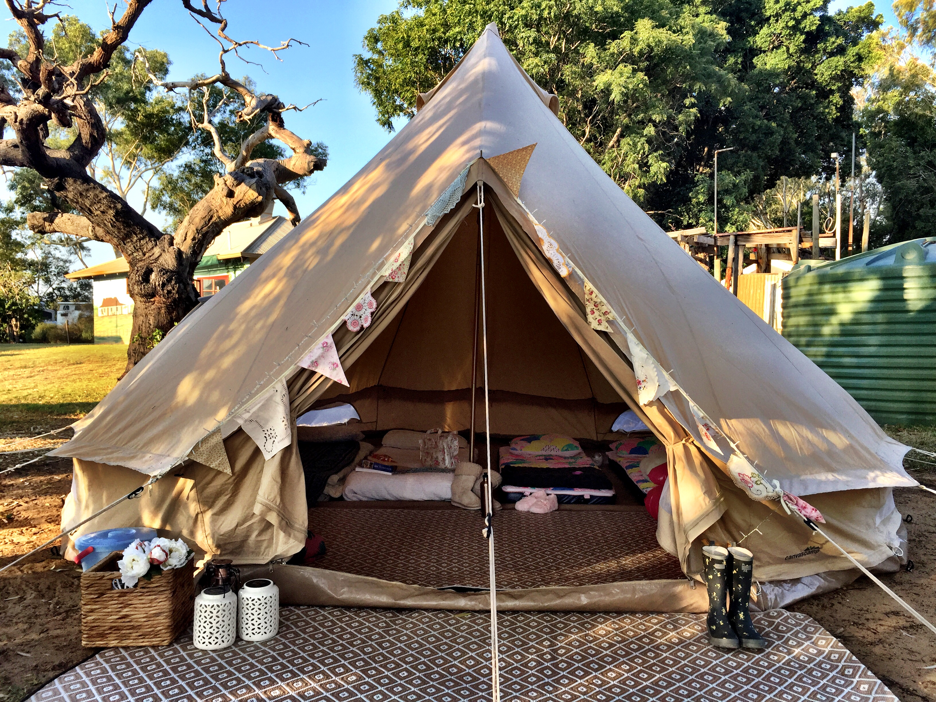 gl&ing perth & Glamping. Glamorous Camping Under The Little Top